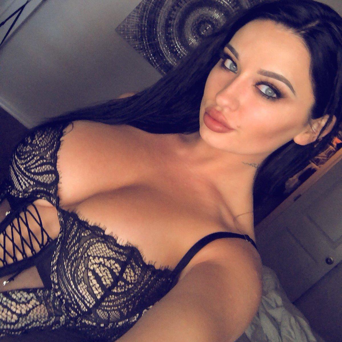 Living my best life in my best lingerie ✨ FsBambtmfY