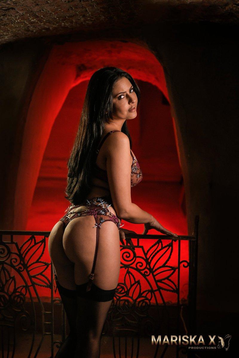 1 pic. Mijn niewe film 👉... Binnenkort en exclusief op telenet 😉#PassionXL #adult #sexvaneigenbodem