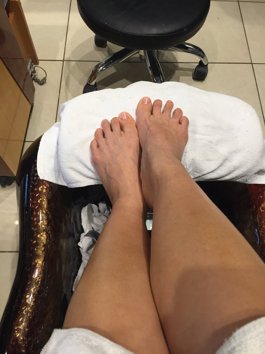 Thank you for the delightful pedicure!! 💋❤️🤑 GG6n4Wiqey