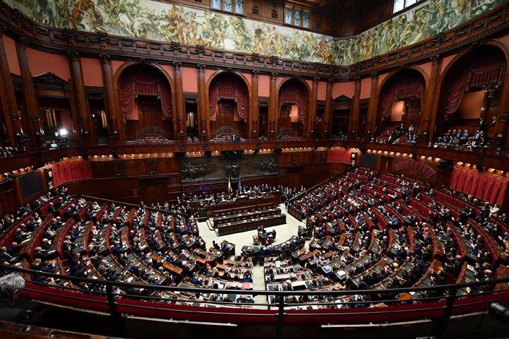 @BroadcastImagem: Congressistas italianos elegem presidentes da Câmara e do Senado em Roma. Ettore Ferrati/AP
