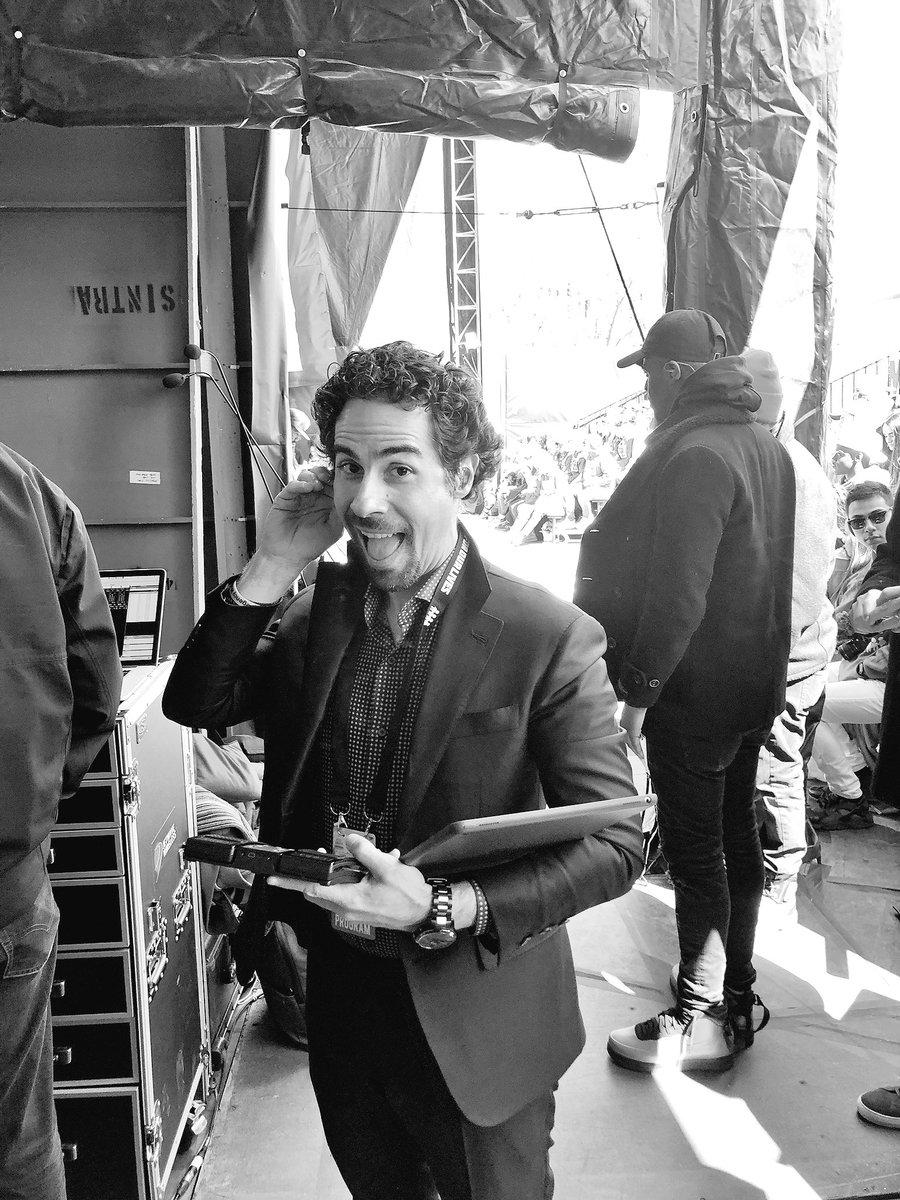 RT @Lin_Manuel: Backstage at the March, with our future https://t.co/fz8616MKY1