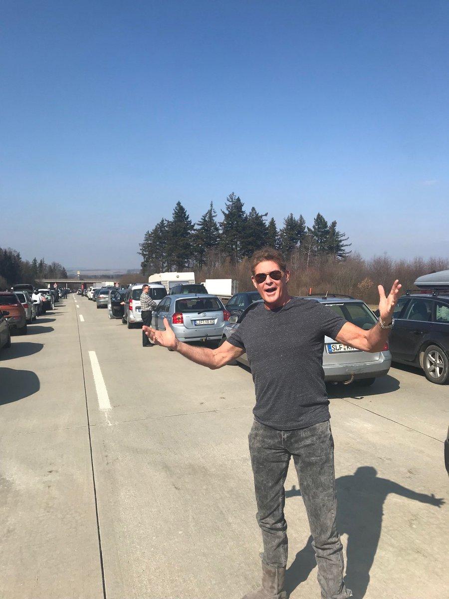 On the Autobahn STOPPED!! Wheres KITT ? https://t.co/jhdj0QZYTh