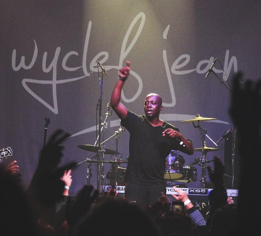 RT @shirju: .@wyclef performed all his timeless hits last night in LA. ???????? https://t.co/o5rjx8rhos https://t.co/aTXx6nOCji