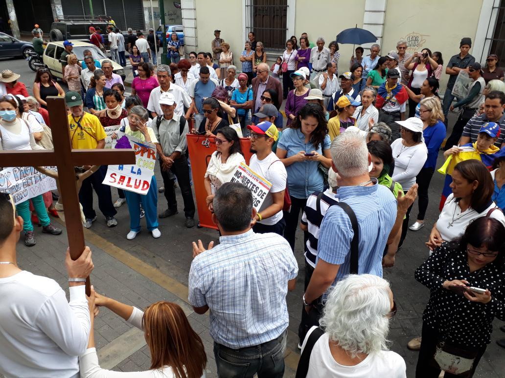 cuarta estación vía crucis por la vida en barquisimeto. frente al ...