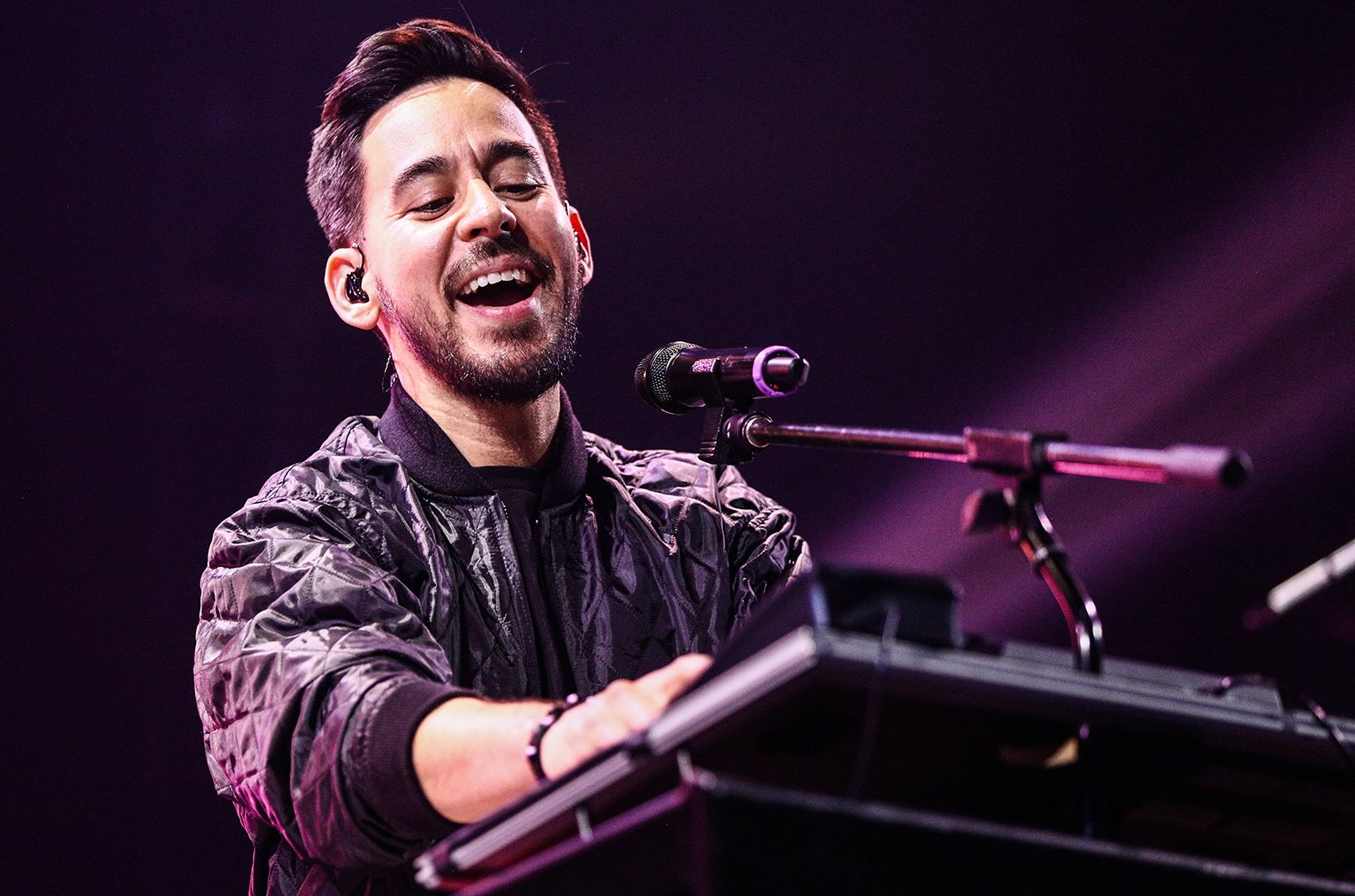 Linkin Park's Mike Shinoda will be playing a solo set at Reading & Leeds Festival https://t.co/lQ0TuFmBA7 https://t.co/zjmd5nHqq4