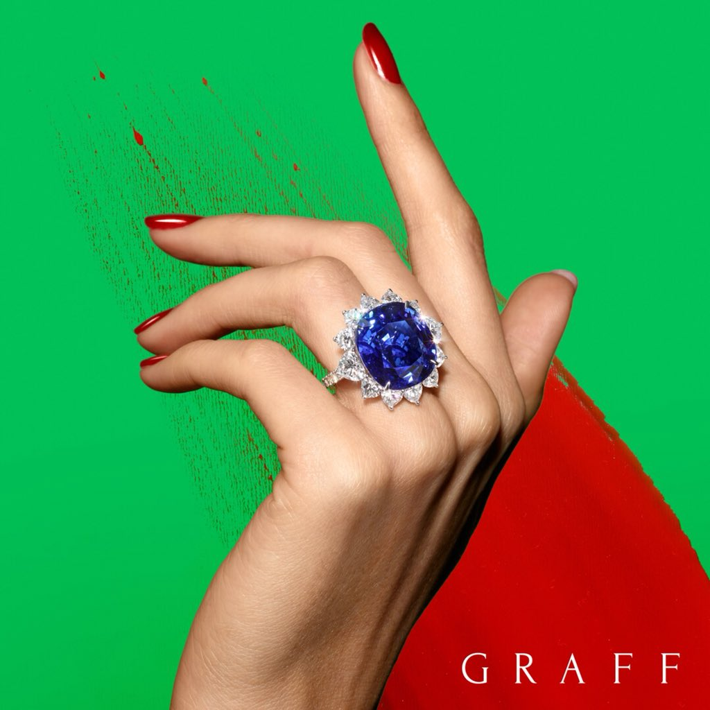 New from our workshop, an enchanting 32 carat cushion cut sapphire and diamond ring. #graffdiamonds https://t.co/stLMVG5oZX