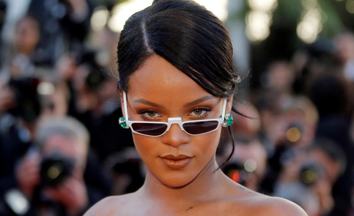 "Rihanna backs Howard University student protesters singing ""Bitch Better Have My Money"""