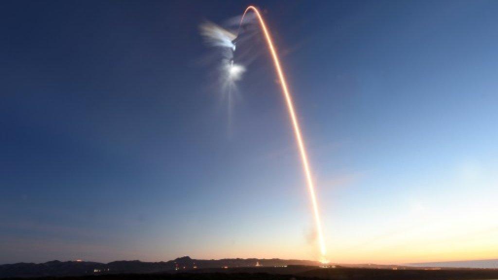 SpaceX blasts off with Iridium satellite payload