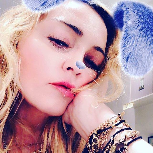 Tired Bunny! ???????????????? ???????????? https://t.co/SM6ViiB1jl