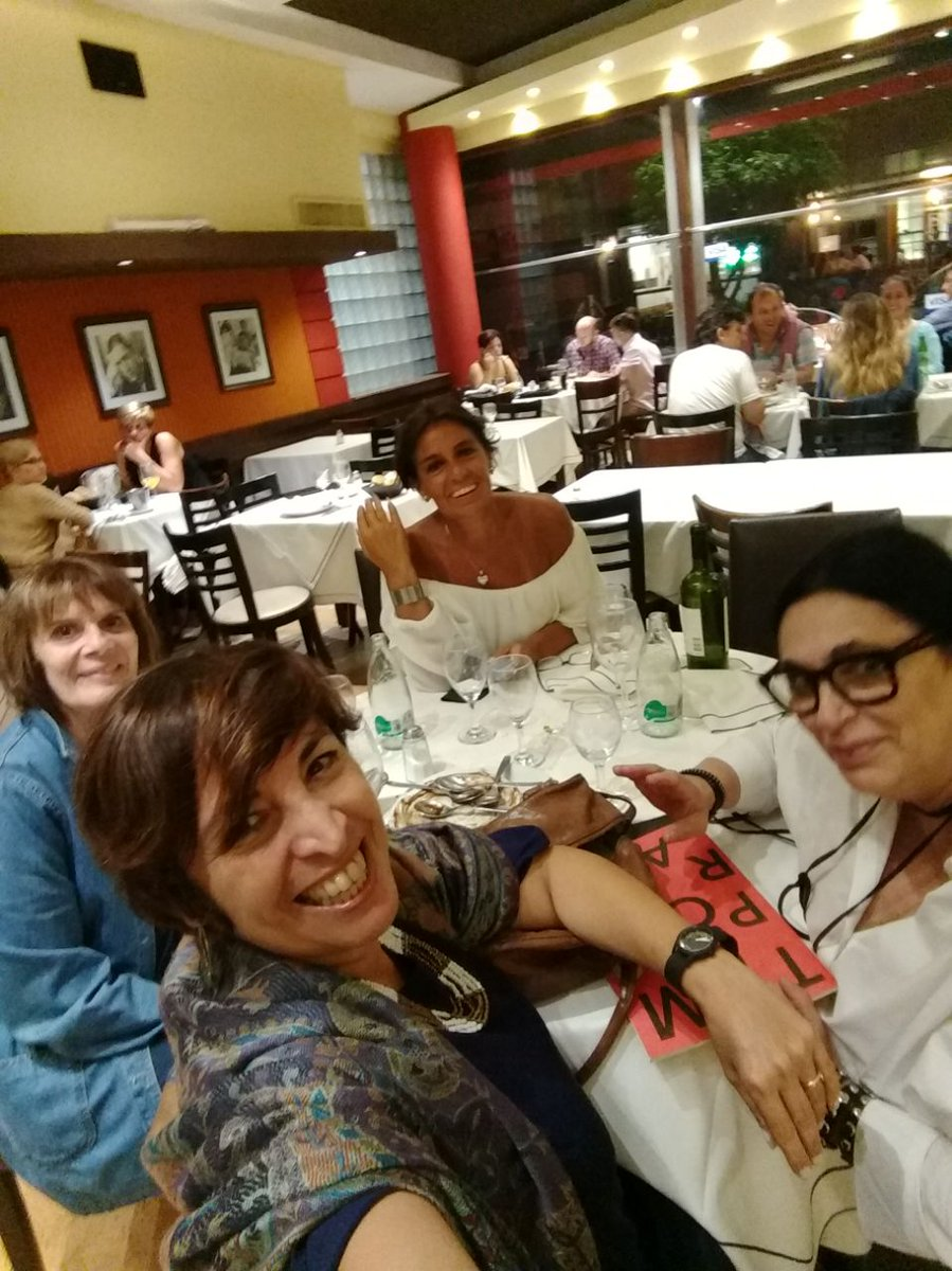 Despues del teatro,cena con comp