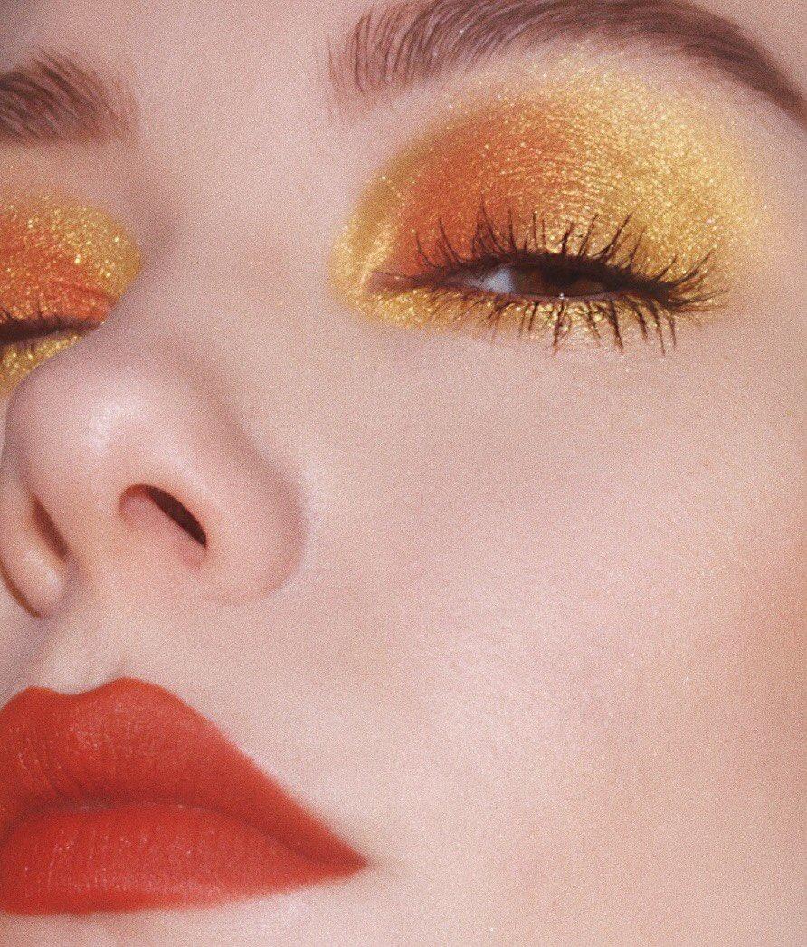 RT @kkwbeauty: Shop the Sooo Fire Eyeliner in Yellow Gold ????✨ #KKWBEAUTY https://t.co/CNCE1WY4JE