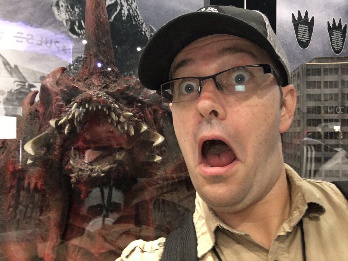 test Twitter Media - DESTROYAAAAH!!! Ghidorah heads (from Godzilla vs Gigan), Mothra, oxygen destroyer, super x2, building miniature. Never thought I'd see these in real life. @TOHO_GODZILLA @Tohokingdom #Godzilla65 https://t.co/SOx5B1yX5n
