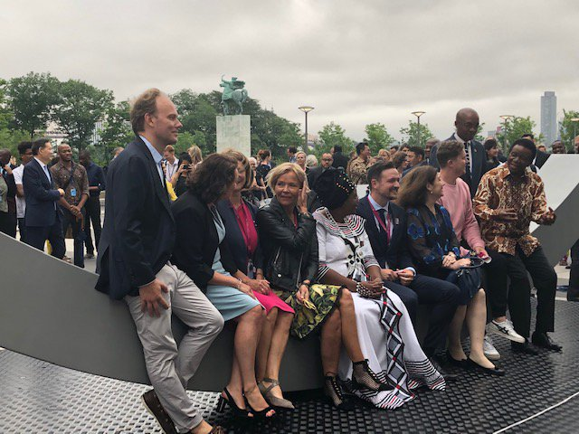 "test Twitter Media - #Norway & #SouthAfrica donated a new metal bench, called the ""Best Weapon,"" to park in the #UN plaza in New York.   The goal? To force people to sit close to each other and talk to resolve their differences  @UN @SAMissionNY #NelsonMandela @dagiulstein @NorwayMFA @NewYorker https://t.co/sVvTbly5ON"