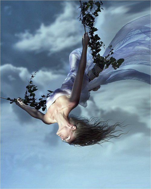 breathing sky blue suspended between heaven & earth love like oxygen fuels the heart's drive to fly above it all  #vss365 #micropoetry   #art NikkaG. https://t.co/plcWXBwcST