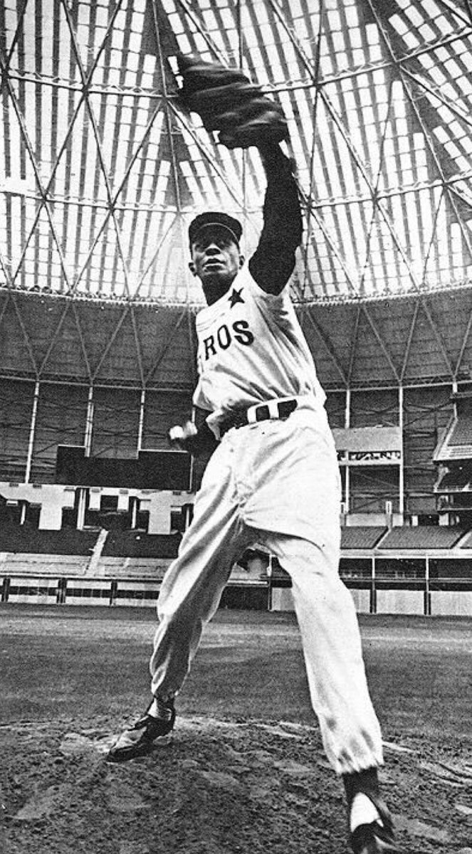 When the Astrodome was almost ready to open, the 'Stros brought in a real expert to test out the mound: Satchel Paige. https://t.co/sehCt8qZX5