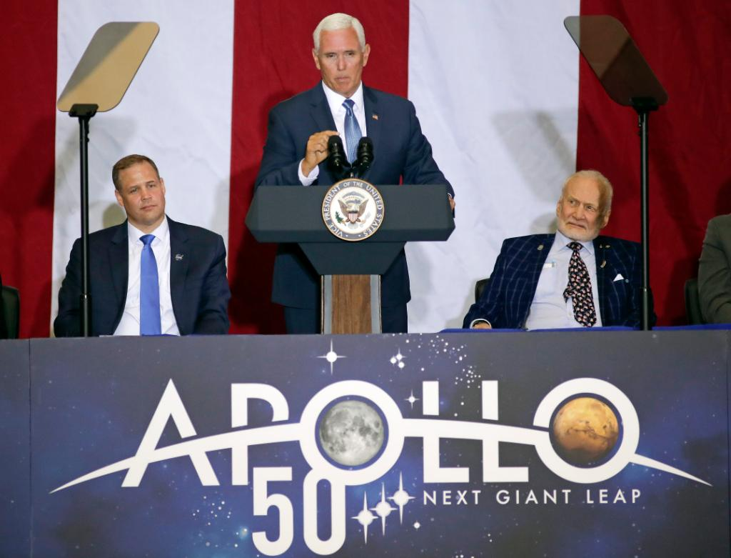 Mike Pence says U.S. will first return to the moon, then go to Mars