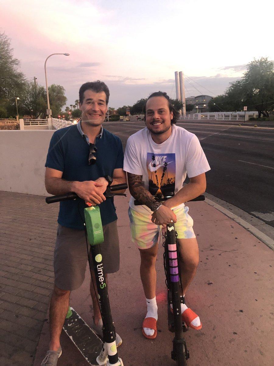 RT @Isuckatpicking: This summer is going bye bye as fast as Auston Matthews hairline. https://t.co/QmQRaySkul