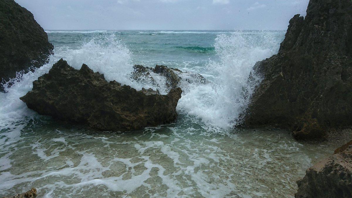 test ツイッターメディア - ひやぁ〜、気持ちいい!  #XperiaXZPremium #okinawa #sea #WAVE https://t.co/MlvWU69clE