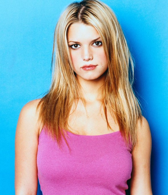 Happy 39th birthday to Jessica Simpson today!