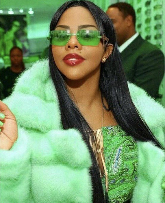 Almost 25 yrs in the Game, the crown is untouchable... HAPPY BIRTHDAY Lil Kim