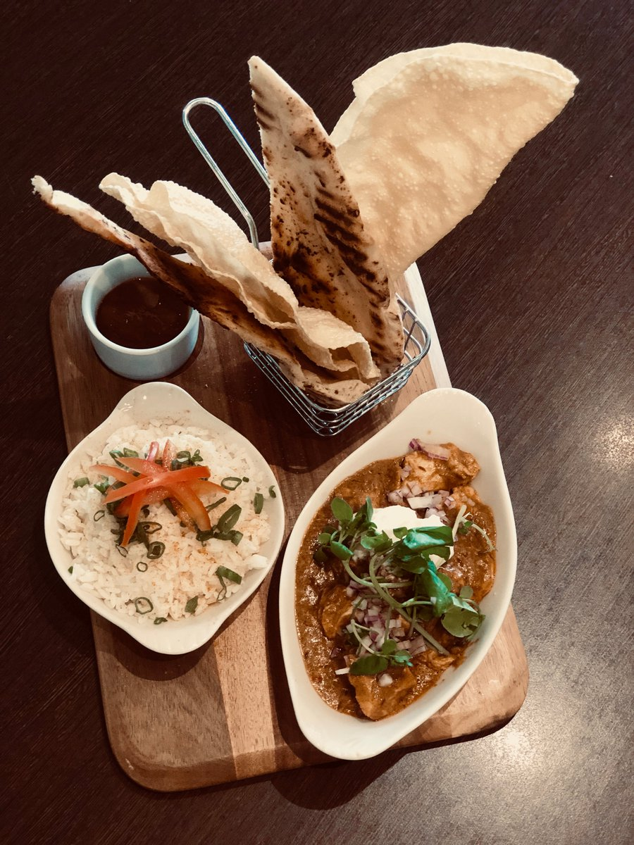 test Twitter Media - Why not join us for a bite to eat with some drinks this evening after work...  Our patio doors are wide open, the sun is shining and we've got some delicious meals on offer including this chicken curry with naan, poppadoms and chutney.  Look forward to seeing you! https://t.co/BEBvMqs3ze