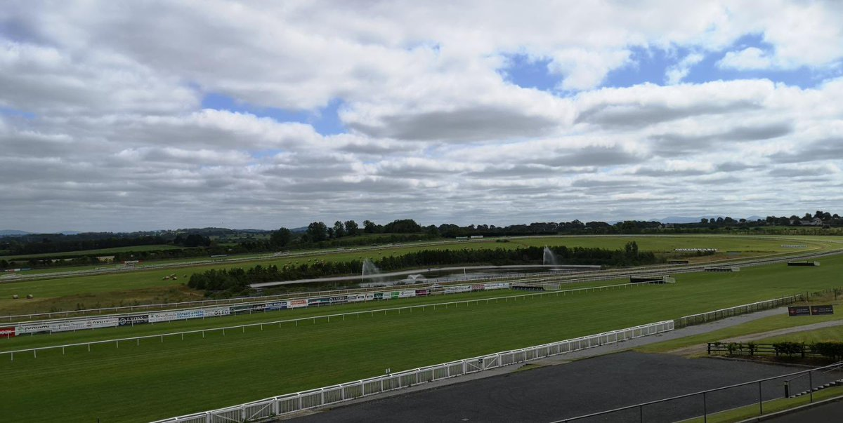 test Twitter Media - @LimerickRaces looking fab ahead of racing today! #comeRacing https://t.co/O7hIGBFvZ4