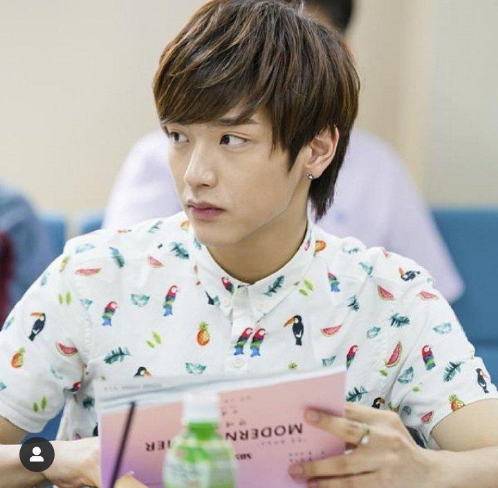 Parabéns #Jaehyun do #Nflying tá fazendo aniversário Parabéns lindo #HAPPYJAEHYUNDAY #HappyBirthdayJaehyun https://t.co/75X3ZHM0Ok