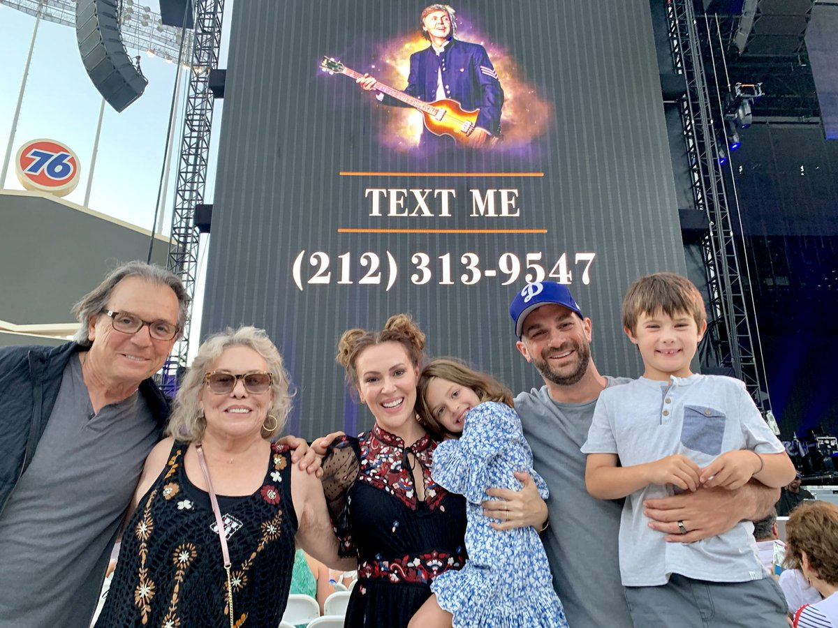 Three generations. Paul McCartney concert. Amazing evening. https://t.co/Gd5NVK8lJj