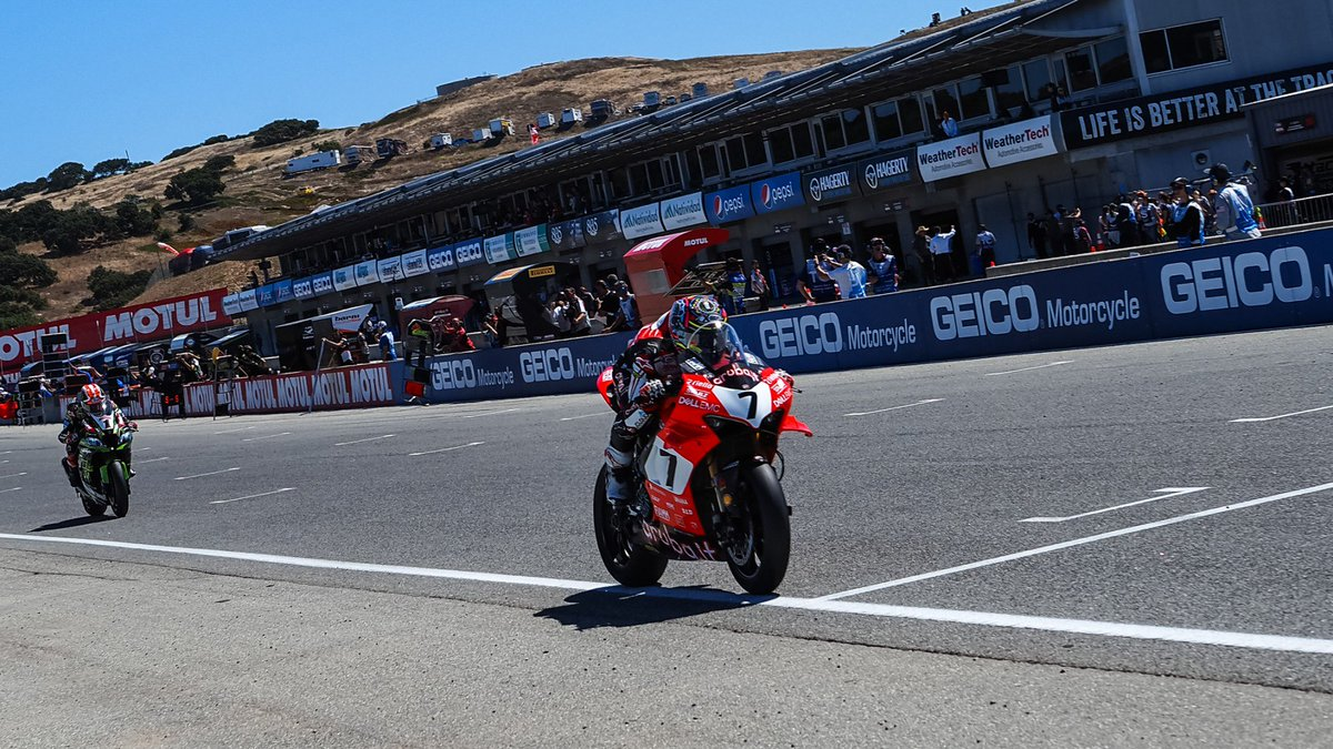 test Twitter Media - Dominant @chazdavies7 takes emotional first win of 2019!  Davies put in a staggering performance, setting his own pace to answer his critics with an emphatic win, whilst Jonathan Rea extends his points lead!  #USAWorldSBK 🇺🇸  📃REPORT| #WorldSBK  https://t.co/PNIo0J9sox https://t.co/Y8oPo8IDus