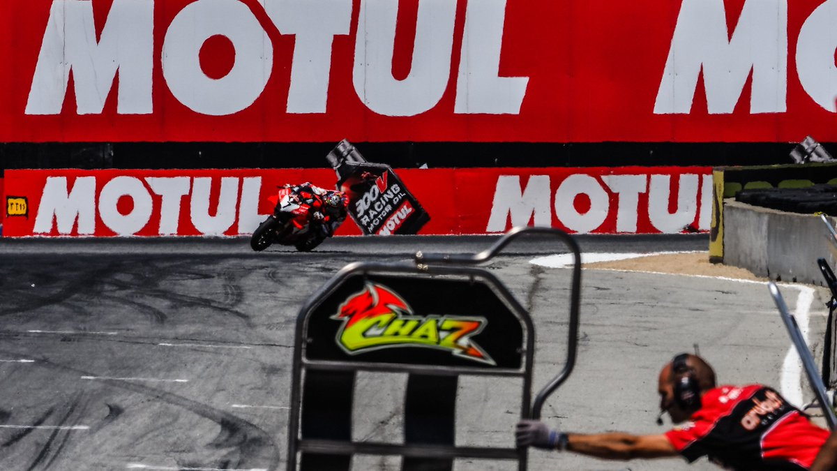 test Twitter Media - Comeback Kid: @chazdavies7 is king for a day at Laguna Seca!  Wearing his heart upon his sleeve, Chaz Davies has been freed from the shackles of 2019 after a first win of the year came at Laguna Seca!  #USAWorldSBK 🇺🇸  📃 | #WorldSBK  https://t.co/PNIo0IRRwZ https://t.co/208HXhWzdn