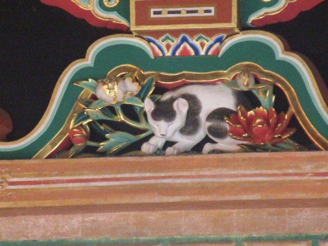 test ツイッターメディア - 陽明門。東照宮全体的にそーなんだけど、細かいところまでいちいち豪華。 三猿。 眠り猫。本で見た感じよりも立体物だとゆーのを改めて知ったり^_^; https://t.co/QtI0jkEbGP