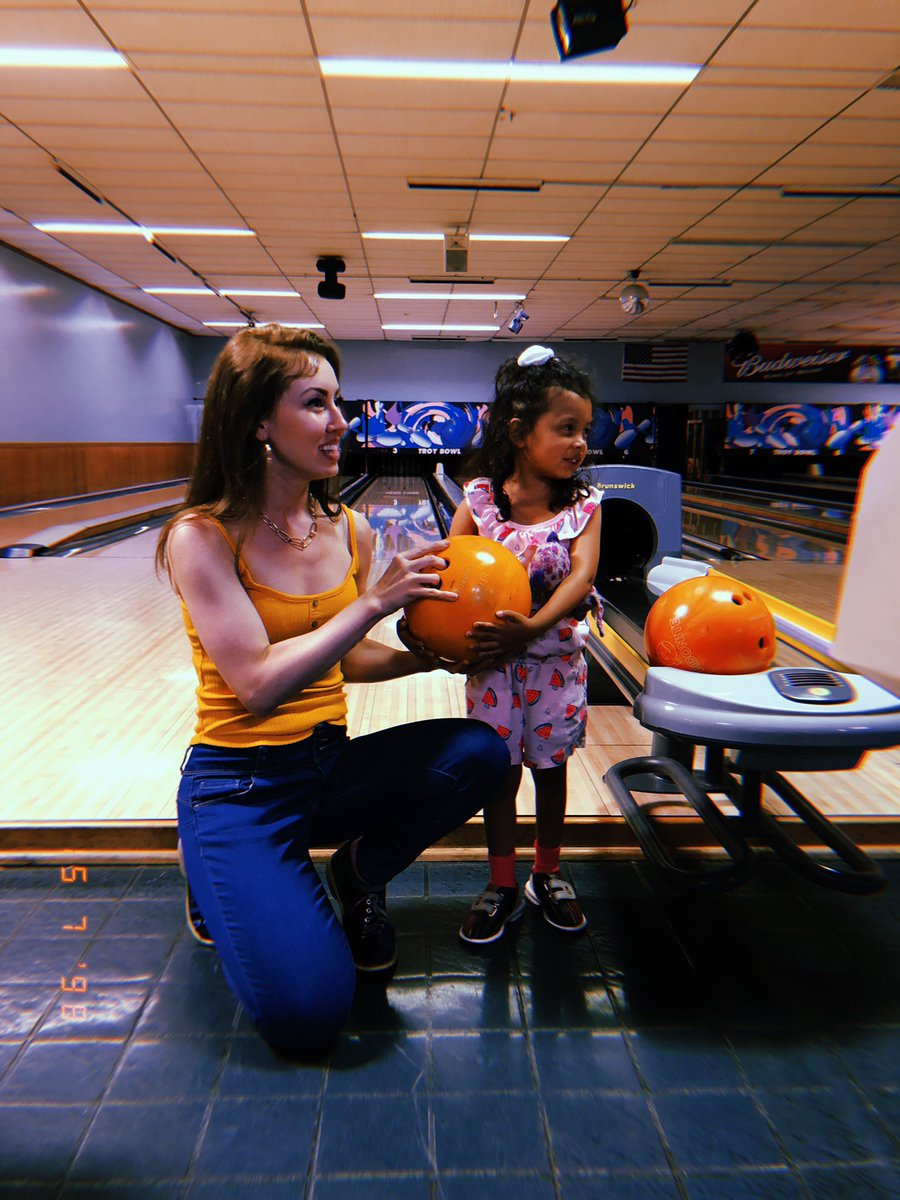 test Twitter Media - Having a blast at my local bowling alley! 🎳 (more fun pics in my stories at https://t.co/Dm2k6Ecop3) https://t.co/Gv2EFDXnu9
