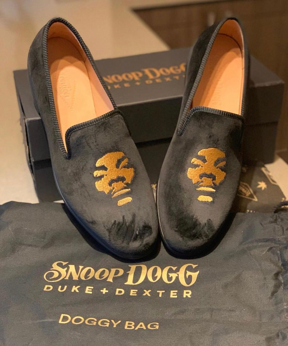 who got their limited edition @dukeanddexter Snoop loafers ?!?  https://t.co/7KZFgb2vAb https://t.co/7aOQPXtn1S