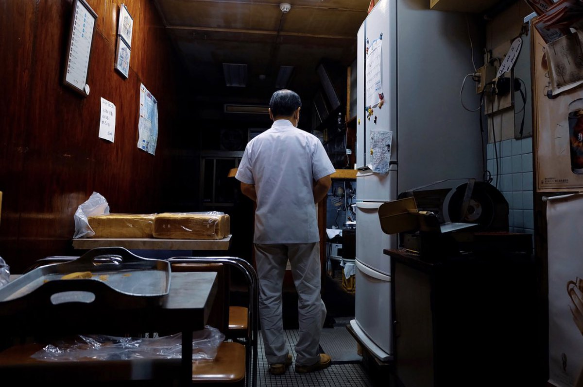 test ツイッターメディア - ブログ更新しました 「豊洲市場へ」  築地でお世話になった「愛養」。 最終日の開店前に白衣を羽織る鈴木さんの最後の後ろ姿の写真をようやく渡すことができました。  築地では行列で近寄れなかった大和寿司も今なら並ばず入れますよ!  https://t.co/vnE8E9IyXo  #豊洲市場 #愛養 #大和寿司 https://t.co/T5dyoMiobR