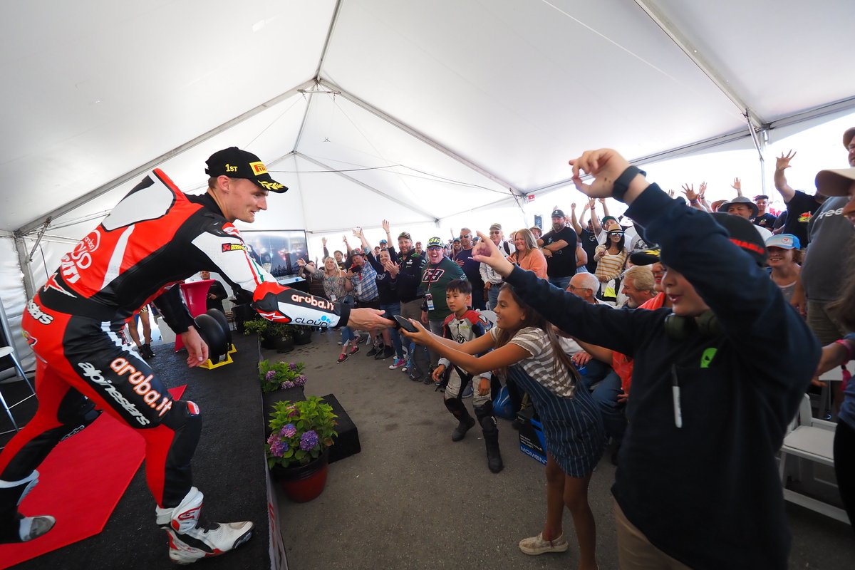 test Twitter Media - ⬆️Emotions running high at the Paddock Show!   There are things that only happen in #WorldSBK  🔝Thank you America!   #USAWorldSBK 🇺🇸 https://t.co/84nrjCOJcw