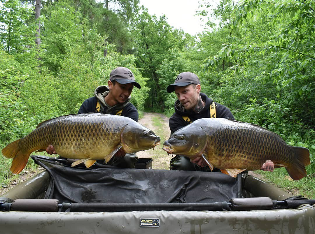 Teamwork makes the dream work! #carpfishing #vasswaders https://t.co/5yzFYbUz3A