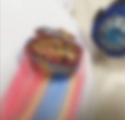 test ツイッターメディア - 【我流・軌跡の作り方】  ①元になる写真を撮ります ②いっぱい線を引きます ③ボカします ④①の写真と重ねます  #ベイブレード #写真 #ベイブレードバースト https://t.co/p2cFvqzb07