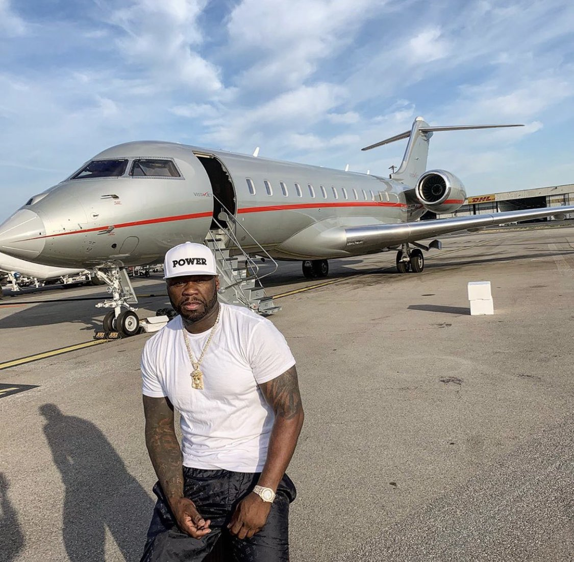 On the move again POWER Seasons 6 you know the Vibes. #lecheminduroi #bransoncognac https://t.co/Weze8Unjnh