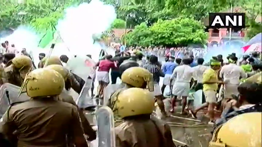 test Twitter Media - .@iumlofficial(#IUML) workers held protest outside #Kerala Secretariat, #Thiruvananthapuram,today over the incident in which a student was stabbed at the University College, on Friday.Police used water canons & tear gas to disperse the protesters.|ANI @RahulGandhi @ShashiTharoor https://t.co/3BbYjTU39q