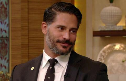 RT @LiveKellyRyan: . @JoeManganiello is on today's show! Make sure to tune in ???? https://t.co/95iXDBgTIb