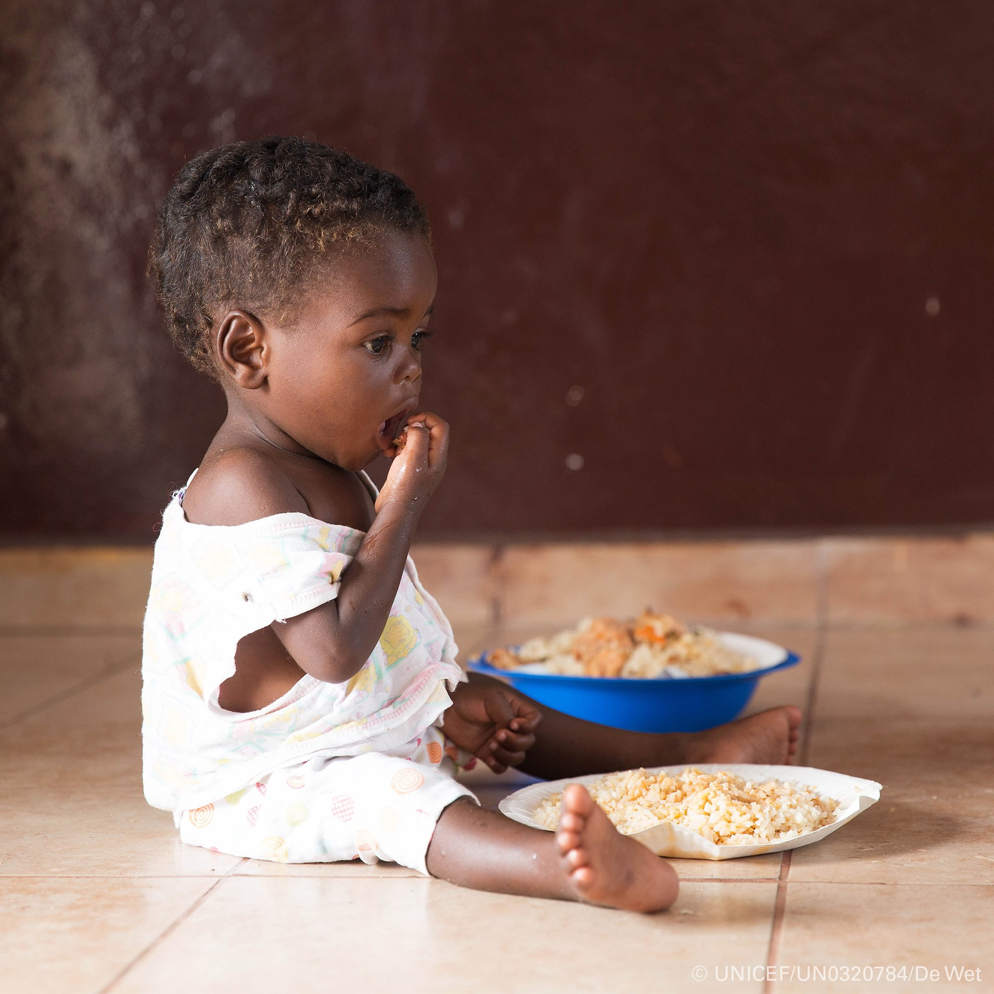 🥗 = 💪🏾 🧠 👨🏼‍🎓  When we invest in children's nutrition, we invest in the bodies, brains and futures of tomorrow's citizens. We must ensure every child has access to a nutritious and affordable diet to grow up healthy.  #SOFI2019 https://t.co/GICrZJ6rlB
