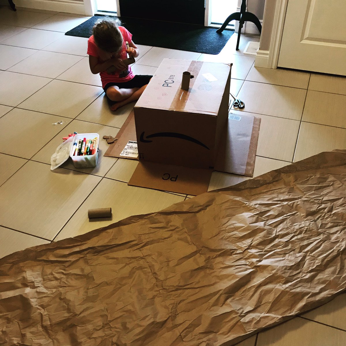test Twitter Media - #STEM crafts are happening. Do you have a lot of deliveries coming in this week? Save the packing materials for a craft day and watch the creativity take over.  Where is the math? Shapes, measuring, patterns, logic. There are so many opportunities for math discussions here. https://t.co/BETo3DxrBb