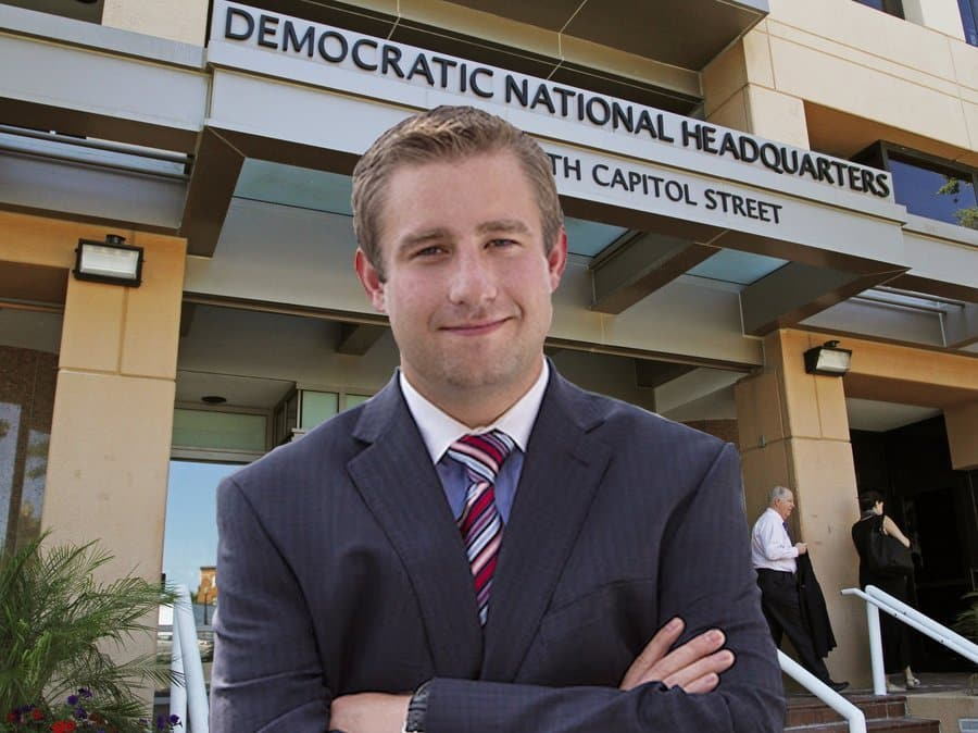 test Twitter Media - @realDonaldTrump @DonaldJTrumpJr @FLOTUS @IvankaTrump @saracarter @JohnSolomon @bbcnews PD said Seth Rich was robbed, but shot in the back & still had a nice watch, wallet & plenty of cash in it!  WiKiLinks posted a $25K REWARD! Then WH tries to cover it up! EZ 2 find out! https://t.co/EgzL7eDvfM