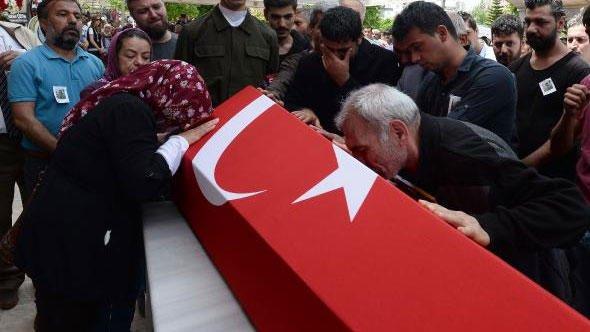 Adana, şehidini uğurladı https://t.co/Fzo9fyEw0Q https://t.co/bRE2ttJFV3