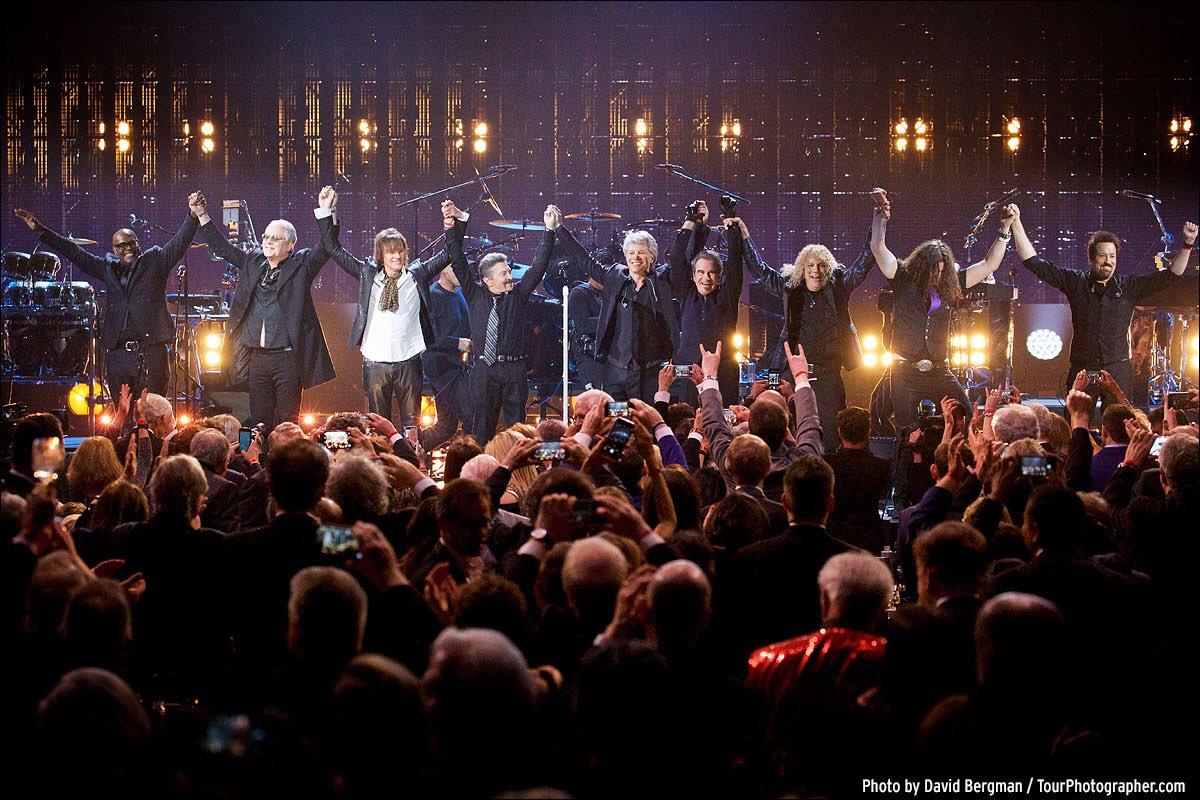 Hall of Famers. #bonjovirockhall #rockhall2018 ��: @davidbergman https://t.co/03YZJsEfQR