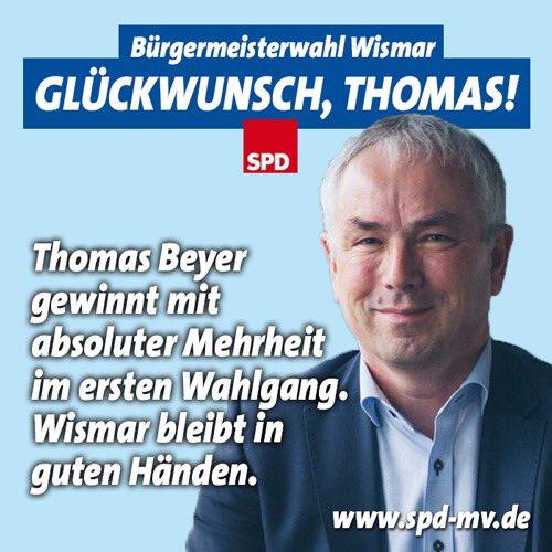 Herzlichen Glückwunsch lieber #ThomasBeyer! Freue mich auf die weitere gute Zusammenarbeit👍 https://t.co/OXzKSXnYk1