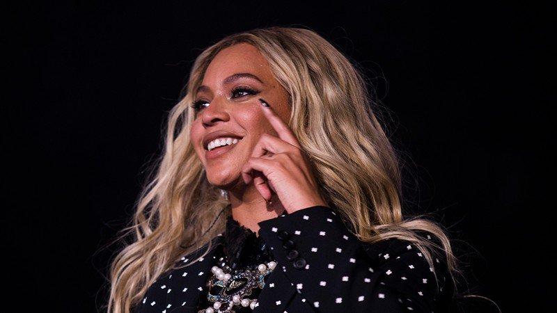 Destiny's Child reunites during Beyonce's Coachella performance