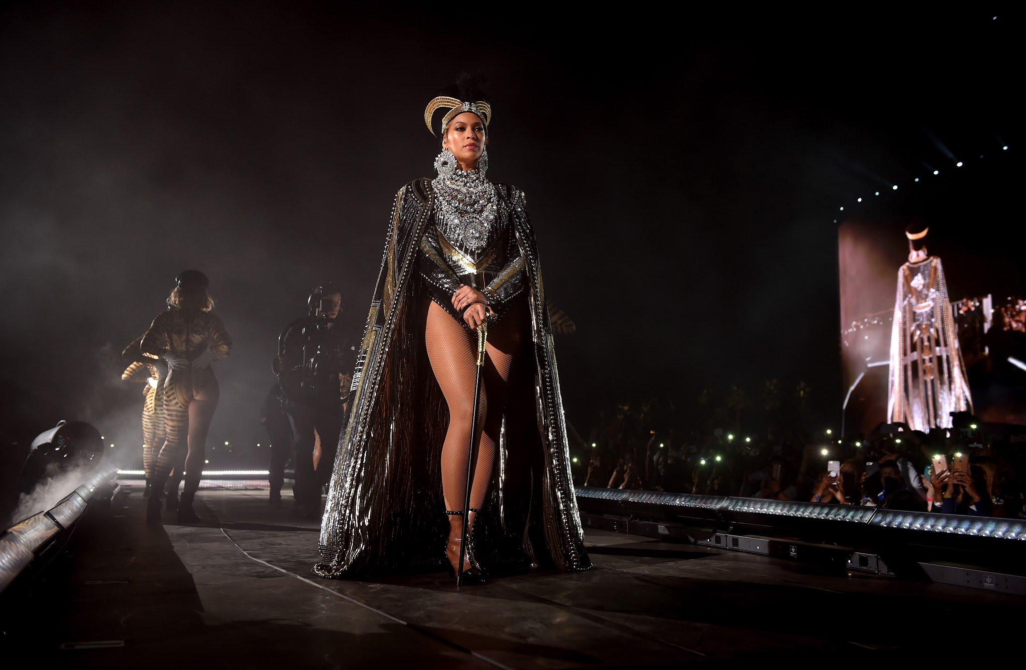 Lemonade is back in the top ten on iTunes after Beyoncé's Coachella performance. https://t.co/jH3T0BUdfC https://t.co/dW5vCUY60k