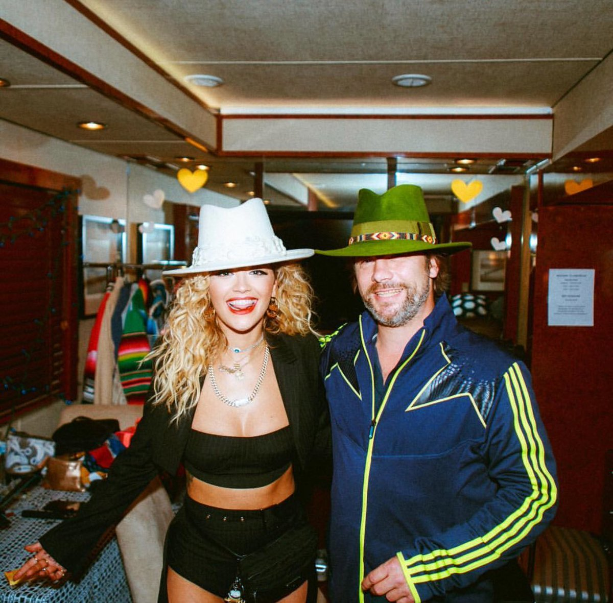 Hat swap - ok they're both his! @jamiroquaihq it was a pleasure ???? https://t.co/XuXetdM6ba