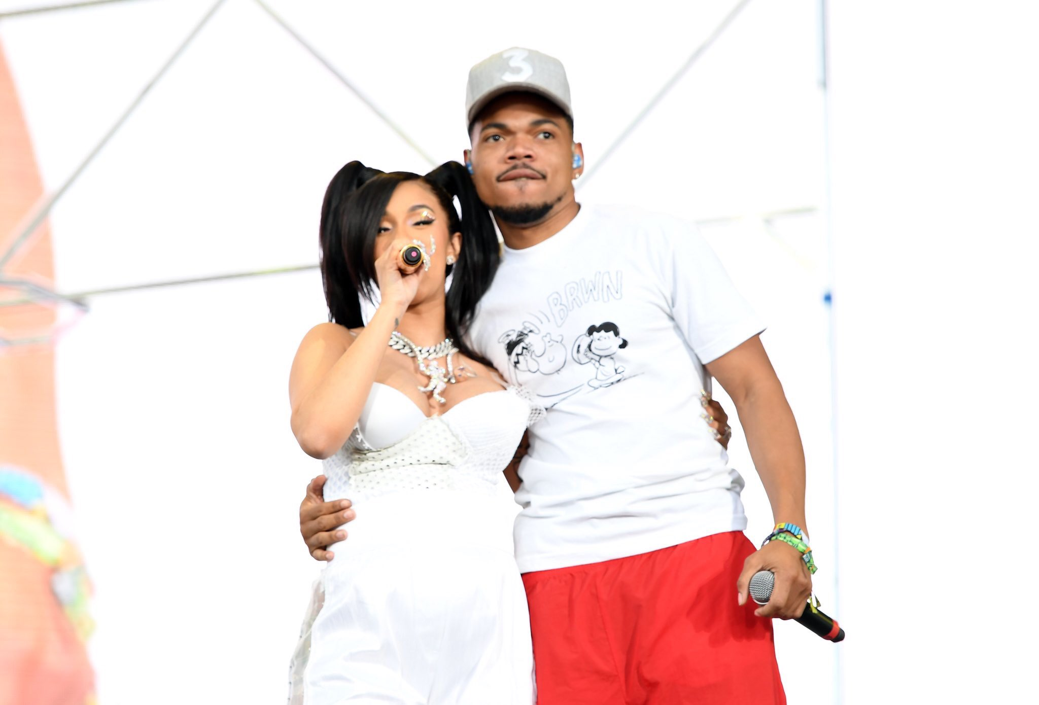 Cardi B brought out  Chance The Rapper, Kehlani, YG, Offset, GEazy and & 21 Savage during her #Coachella set. https://t.co/HFtzIfXWCf